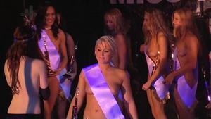 silikone bryster efter amning Miss Martin Hobro