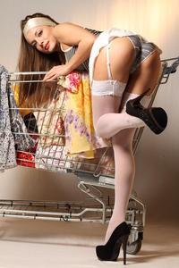 http://img192.imagevenue.com/loc227/th_999949694_tduid300163_MetArt_Entita_Alyssa_A_high_0016_123_227lo.jpg