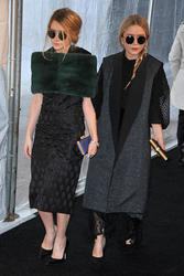 "Ashley & Mary-Kate Olsen - Premiere of ""Rossini's Le Comte Ory"" March 24th 2011"