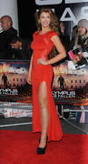 http://img192.imagevenue.com/loc503/th_376416483_AmyWillerton_olympus_has_fallen_uk_prem_021_122_503lo.jpg